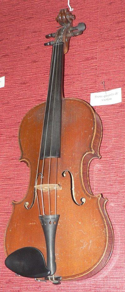 Trois-quart de violon