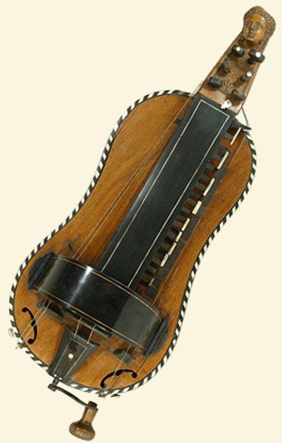 Vielle à roue de dame forme guitare