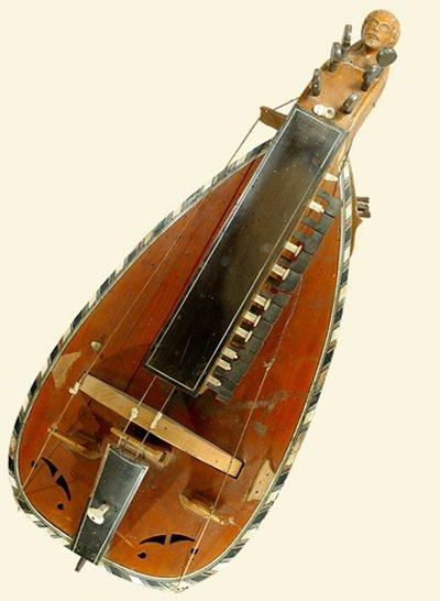 Vielle à roue forme luth