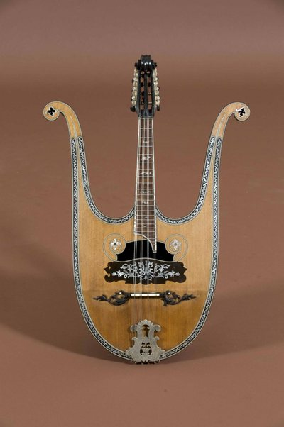 Mandoline-lyre