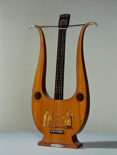 Guitare-lyre