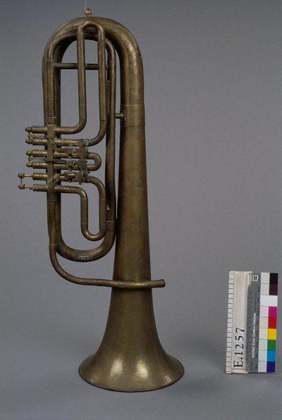 Saxhorn baryton en si bémol ou basse?