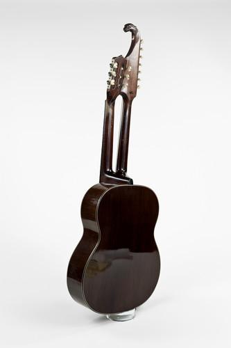 akoestische basgitaar met dubbele hals