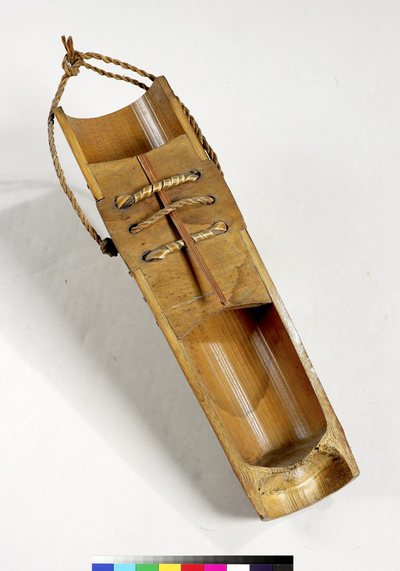 Lamellophone sur planche (lame végétale)