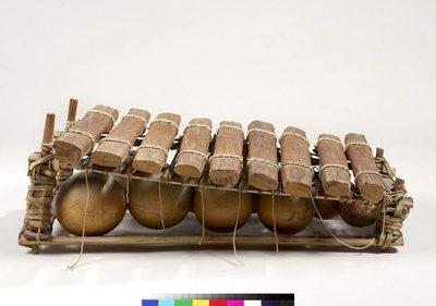 Balafon sur cadre 9 lames