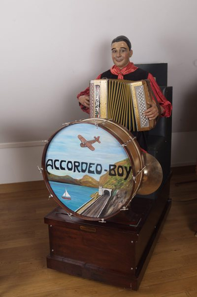 Accordeo-Boy (Automate musicien)