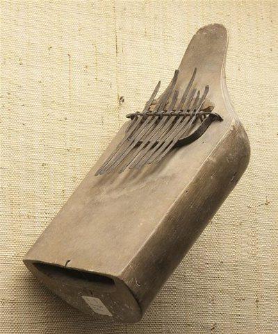 Lamellophone sur caisse