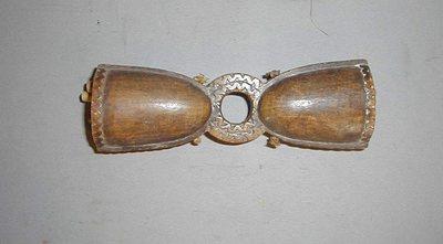 Cloche double en bois