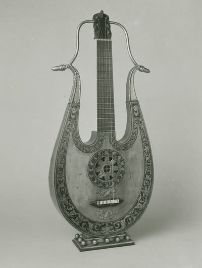 Apollo lyre