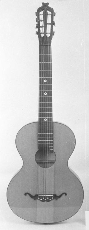 Gitarre Wiener Modell, siebensaitig
