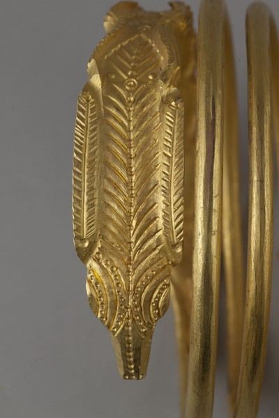Photo of a Dacian gold bracelet