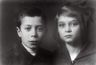 Reprofoto. Eugen Kapp oma õe Elisabethiga. 1921. Originaalfoto autor Parikas.