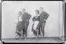 Muusikamuuseumi Ühingu III ringreisist osavõtjad. Rahvatantsijad. E. Truu, Johannes Itnurm, O. Rosenberg (?), L. Kanter (?). 1933
