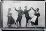 Muusikamuuseumi Ühingu III ringreisist osavõtjad. Rahvatantsijad. E. Truu, Johannes Itnurm, O. Rosenberg (?), L. Kanter (?). Sügis 1933.