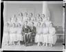 Laulukoor Laululapsed. 1919-1925. Keskel Karl Leinus. Foto: Parikas.
