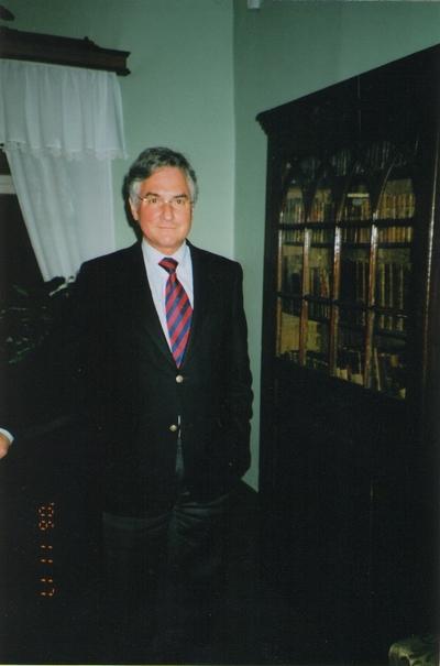 Foto. Saksamaa suursaadik Eestis JULIUS BOBINGER muuseumis. Võru, 17.11.2006.