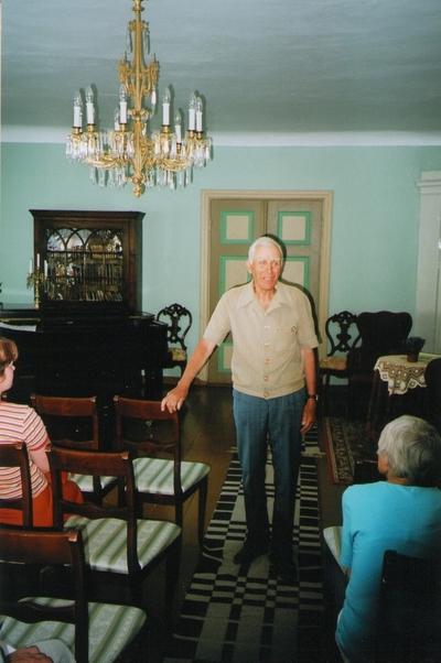 Foto. Aleksander Krull Võrumaa muuseumide juubelite tähistamisel. Võru, 07.07.2006.