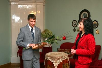 Foto. Kreutzwaldi mälestuspäev. Toivo Varrik, Inge Tolga. Võru, 14.12.2007.