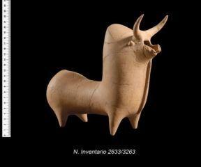 Vaso raffigurante bovide gibbuto