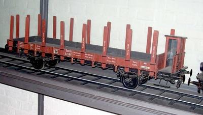 Rungenwagen  für zwei Spurweiten, Danzig 23586, Modell 1:10