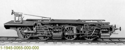 Untergestell einer Güterzugdampflok G 9 Mallet-Rimrott,  Modell 1:5