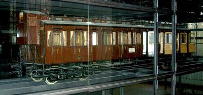 Vierachsiger Abteilwagen 3. Klasse mit Krankenabteil, nach Musterblatt M Ib4, Modell 1:5