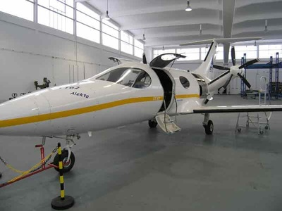 Flugzeug TT62 Alekto