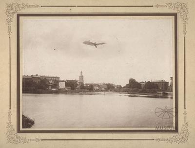 Fotomontage mit Flugzeug Otto Lilienthals