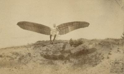 Fotografie Flugversuch Otto Lilienthals (f0070)