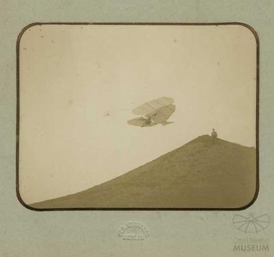Fotografie: Flug Otto Lilienthals (f0121)