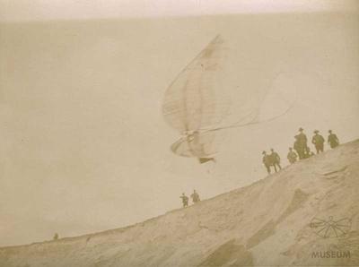Fotografie Flugversuch Otto Lilienthals (f0829)