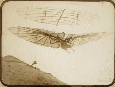 Fotografie Flugversuch Otto Lilienthals (f0029)