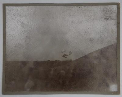 Fotografie Otto Lilienthal im Flug (f0800)