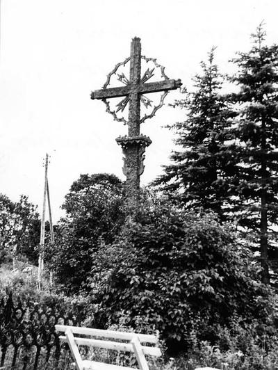 Žarėnų kapinių (Telšių rajonas) kryžius