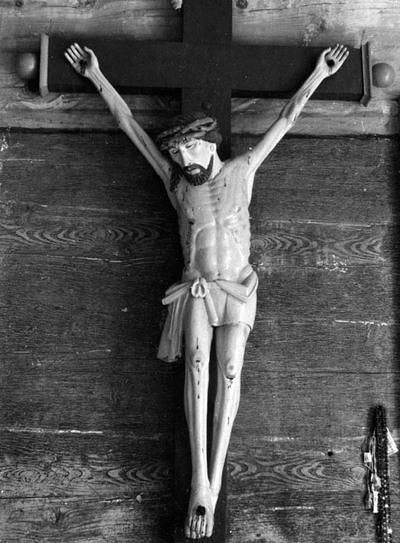 """Žarėnų Šv. vyskupo Stanislovo bažnyčios (Telšių rajonas) skulptūra """"Nukryžiuotasis"""""""
