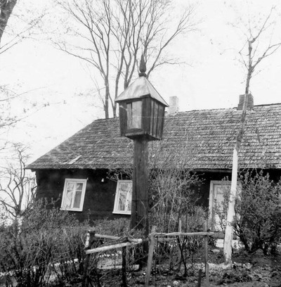 Žlibinų kaimo (Plungės r.) koplytstulpis