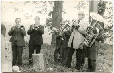 Lauksargių ir Būdviečių kaimų (Tauragės apskr.) orkestras apie 1968 metus