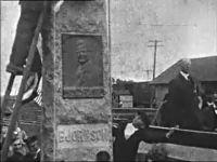 Bjørnson statuens avsløring i Maywille, N. Dakota den 7. juni 1916