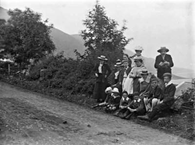 Williamson picnic party, Ireland