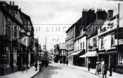 Wrawby Street, Brigg looking west c.1920