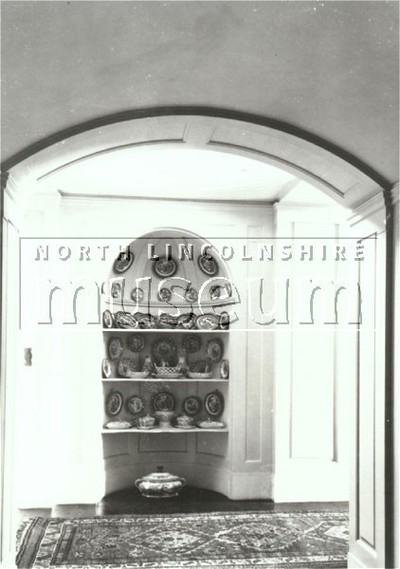 Domed alcove, Normanby Hall, at the right of the Garden Room and opposite the corridor leading from the main staircase in 1911.