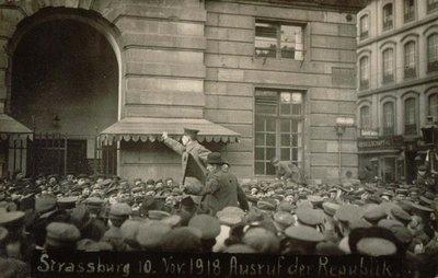 Strassburg, 10. Nov. 1918. Ausruf der Republik : [Proclamation de la République devant l'Aubette, place Kléber]