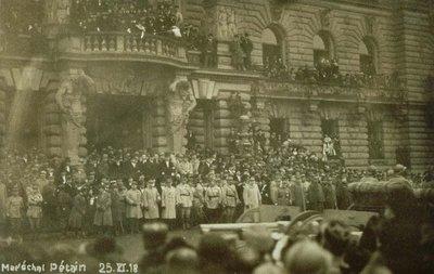 Maréchal Pétain 25.XI.18 : [passant les troupes en revue devant le Palais du Rhin à Strasbourg]