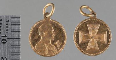 Buste de l'empereur et croix de fer 1914 : Médailles et décorations
