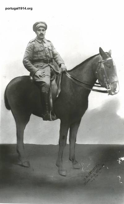 António Jerónimo a cavalo