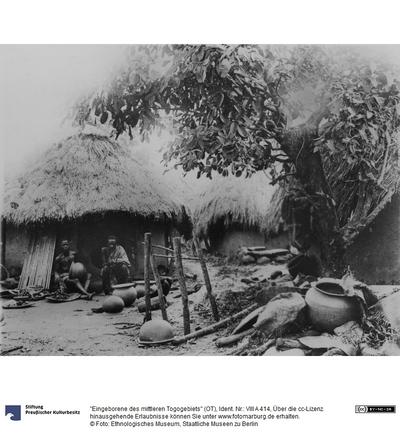 Eingeborene des mittleren Togogebiets (OT)