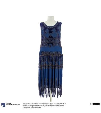 Blaues Abendkleid mit Perlenstickerei