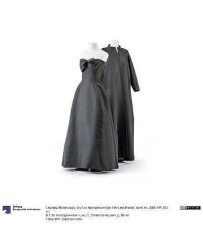 Großes Abendensemble, Kleid mit Mantel