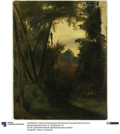 Wald und Hügellandschaft mit einem knienden Mönch an einer Heiligenstandbild