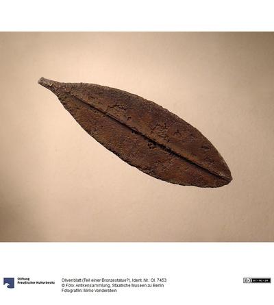 Olivenblatt (Teil einer Bronzestatue?)